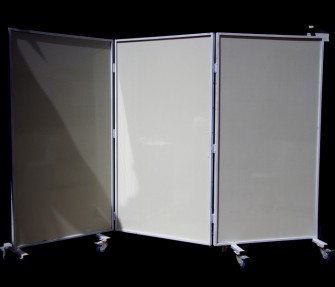 פרגוד לבן גובה 2 מ' אורך 3 מ'