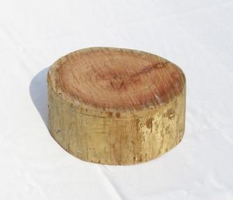 הגבהה מעץ עגול