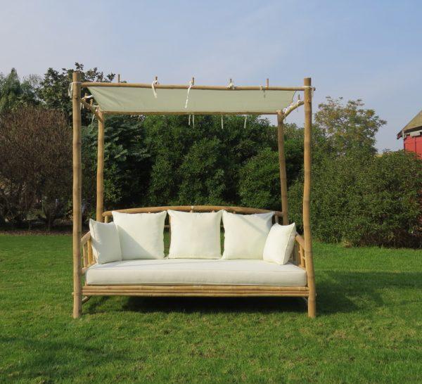 מיטת אפריון זוגית + כריות